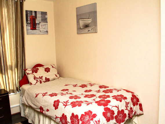Single rooms at Julius Lodge Thamesmead provide privacy
