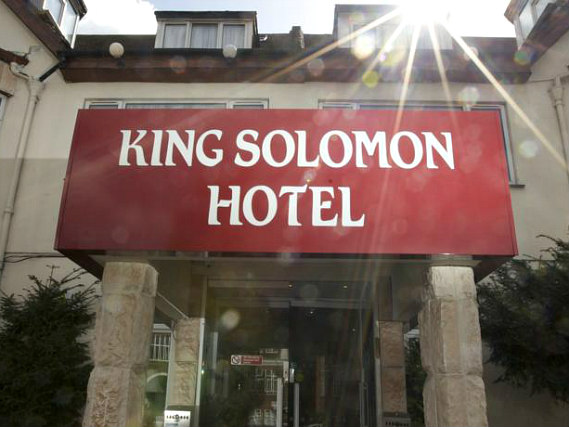 King Solomon Hotel London is situated in a prime location in Golders Green close to Pavlova Memorial Museum