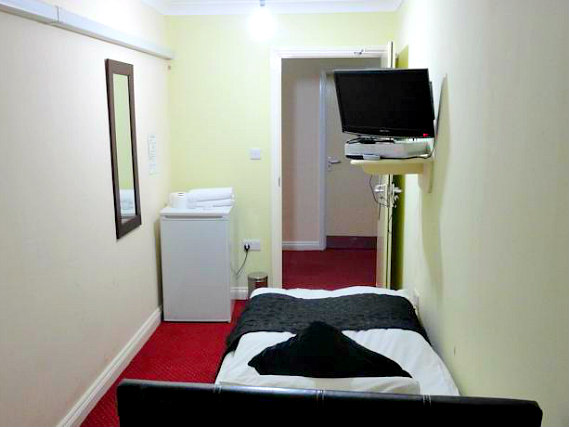 Single rooms at City View Hotel Roman Road Market provide privacy