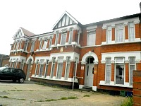 Roop B&B is easily located close to 2 airports and is easy to get into Central London to start your sightseeing