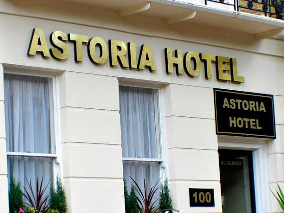 Astoria Hotel London is situated in a prime location in  Paddington close to Marylebone High Street