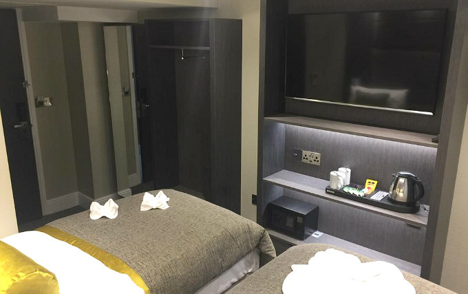 A twin room at Mornington Hotel London Victoria