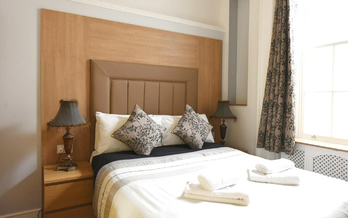 A comfortable double room at Linden House Hotel