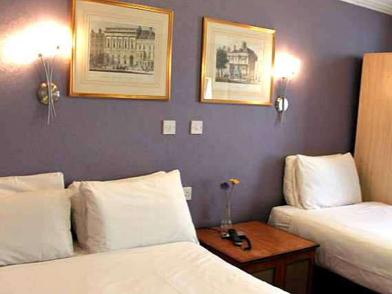 Triple rooms at Lord Kensington Hotel are the ideal choice for groups of friends or families