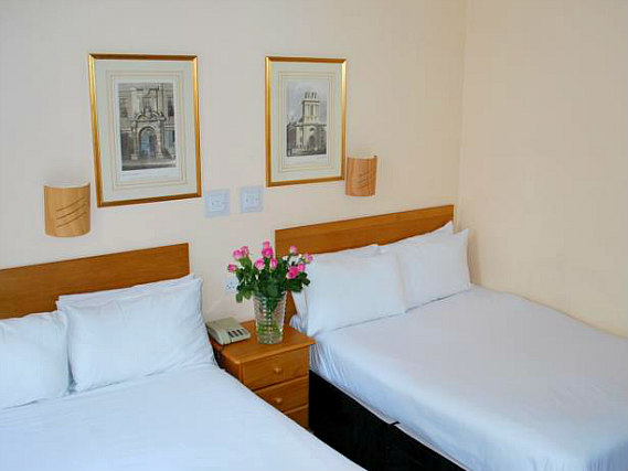 Quad rooms at Lord Kensington Hotel are the ideal choice for groups of friends or families
