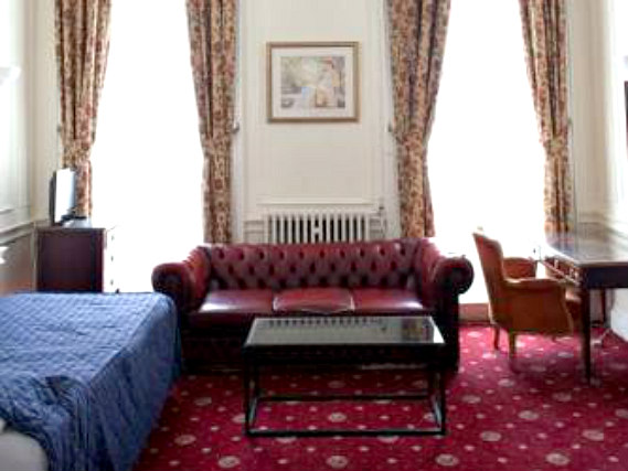 Single rooms at Rose Court Marble Arch provide privacy