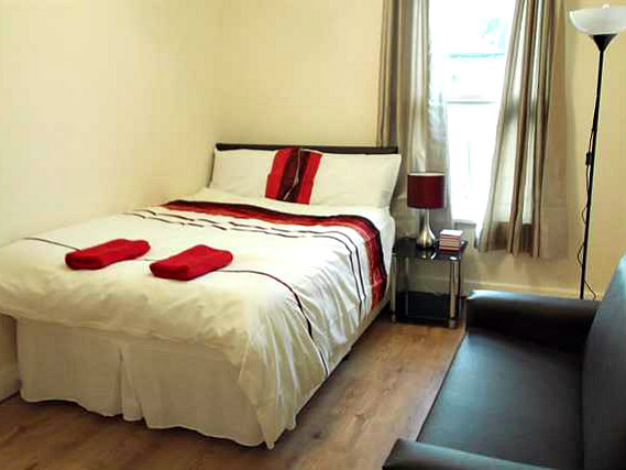 A double room at Apples Inn is perfect for a couple
