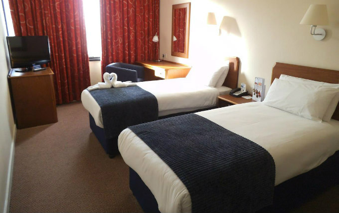 A twin room at Airport Inn Gatwick