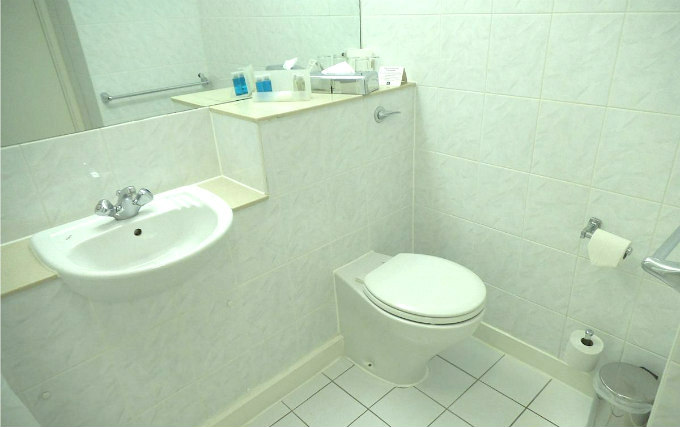 A typical bathroom at Airport Inn Gatwick