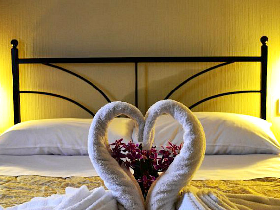 A double room at Central Hotel London is perfect for a couple