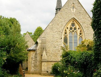 Book a hotel near Rosslyn Hill Unitarian Chapel