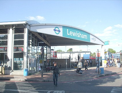 London Waterloo Station - Rail Station - visitlondon.com