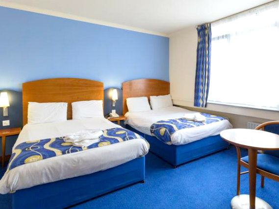 Quad rooms at London Wembley International Hotel are the ideal choice for groups of friends or families