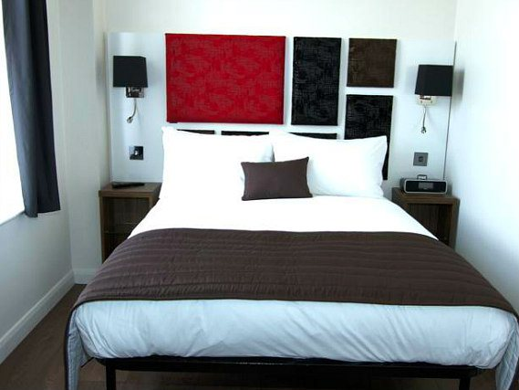 Clean and spacious comfort rooms, perfect for a couple of night's in London