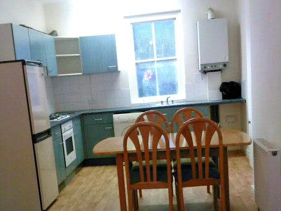 kitchen at Stratford Budget Rooms