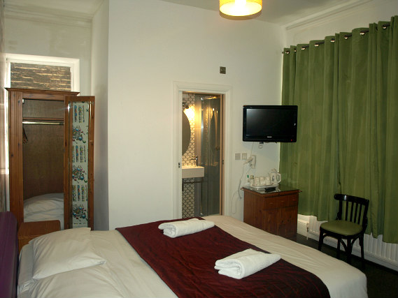 A Typical Room At Chelsea House Hotel
