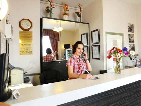 Dover Hotel London has a 24-hour reception so there is always someone to help