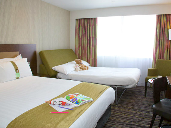 Triple rooms at Holiday Inn London Wembley are the ideal choice for groups of friends or families