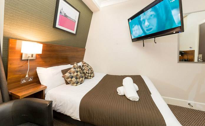 A comfortable double room at Chester Hotel Victoria
