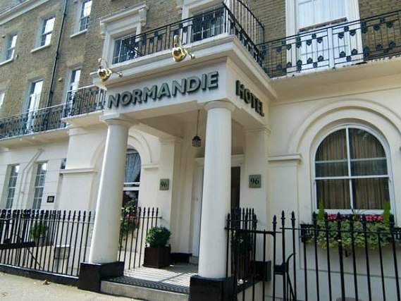 Normandie Hotel London is situated in a prime location in Paddington close to Hyde Park