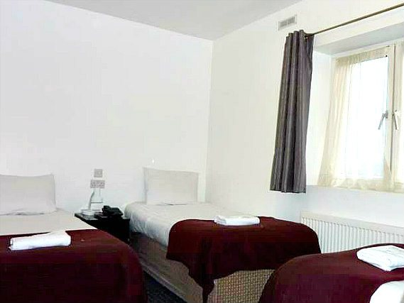 Triple rooms at Notting Hill Hotel are the ideal choice for groups of friends or families