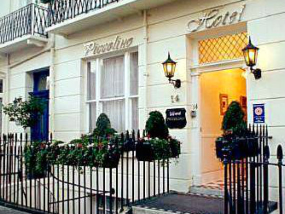 Piccolino Hotel is situated in a prime location in Paddington close to Edgware Road