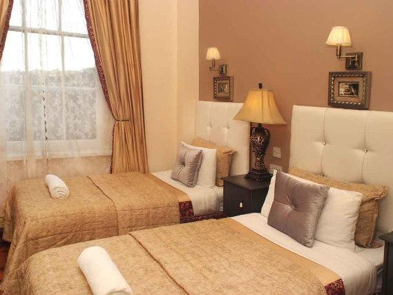 piccolino hotel london book on