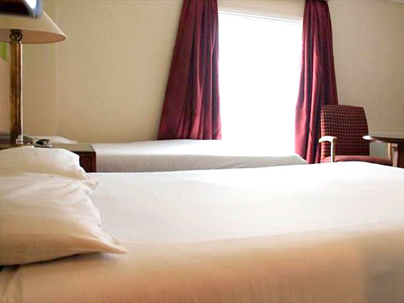 Triple rooms at Queens Hotel London are the ideal choice for groups of friends or families