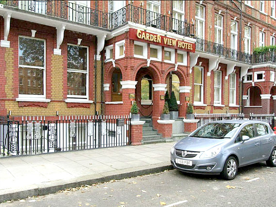 Garden View Hotel is situated in a prime location in Earls Court close to Earls Court Exhibition Centre
