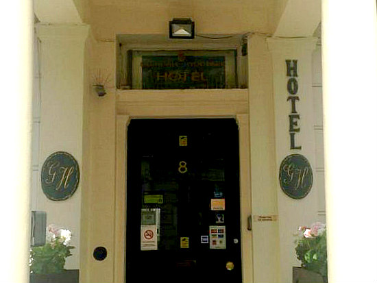 Glendale Hyde Park Hotel is situated in a prime location in Paddington close to Queensway
