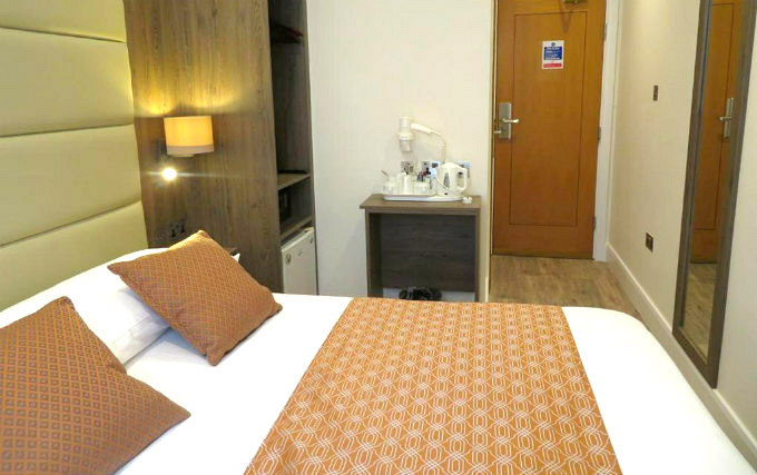 A typical double room at Glendale Hyde Park Hotel