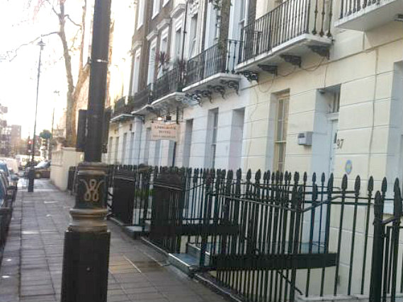 Colliers Hotel is situated in a prime location in Victoria close to Warwick Square
