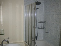 A typical bathroom at Bankside Apartments TopFloor