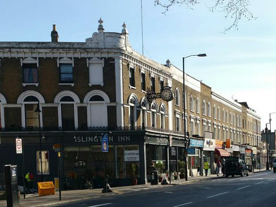 Islington Inn is situated in a prime location in Islington close to Emirates Stadium