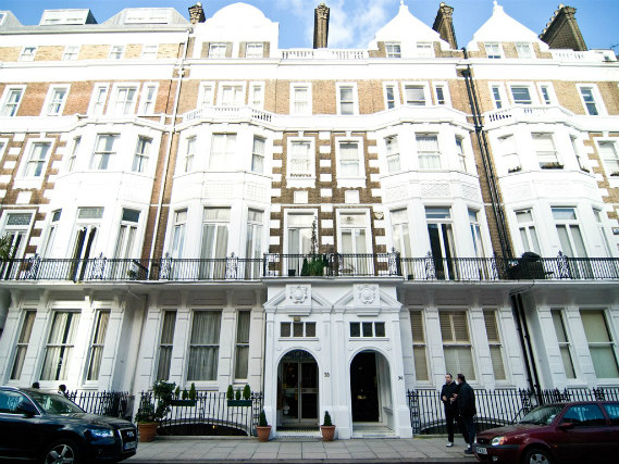 St Simeon Hotel is situated in a prime location in South Kensington close to Natural History Museum