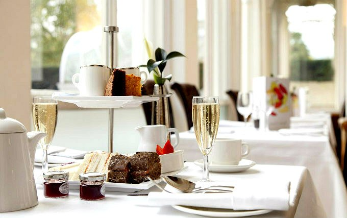 Enjoy a great breakfast at Thistle Hotel Hyde Park