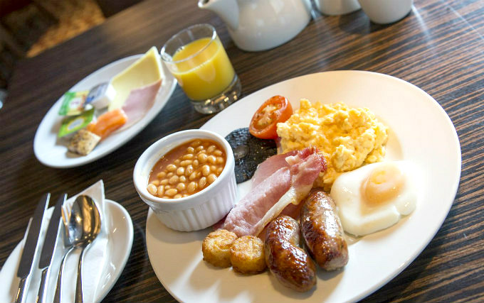 Enjoy a delicious Breakfast at Thistle Hotel Hyde Park