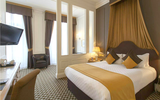 A double room at Thistle Hotel Hyde Park