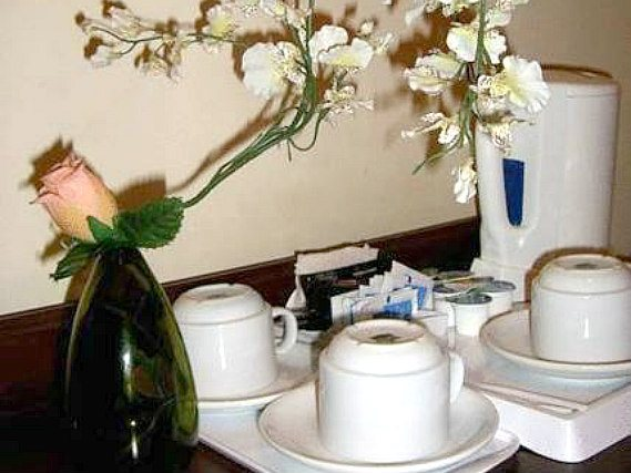 Enjoy a hot drink thanks to the tea/coffee making facilities in your room at Fitzroy Hotel