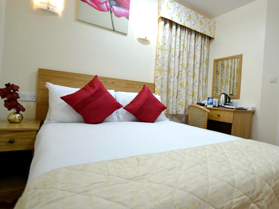 Get a good night's sleep in your comfortable room at Best Western Greater London Ilford
