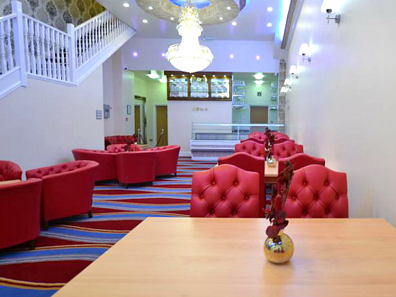 Enjoy the bright and cheerful dining area at Best Western Greater London Ilford
