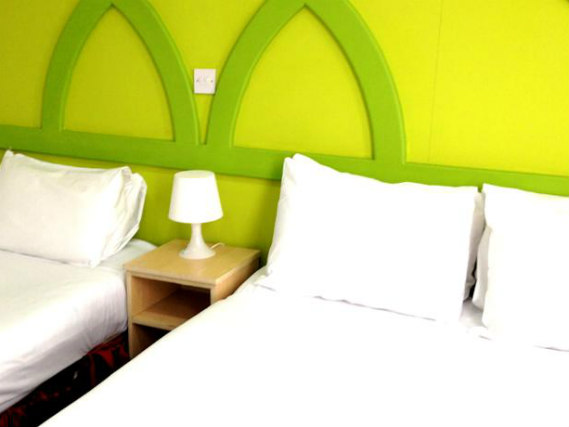 Triple rooms at Euro Lodge Clapham are the ideal choice for groups of friends or families
