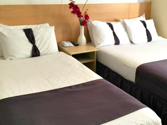 Triple room at Euro Lodge Clapham