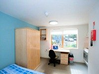 A typical double room at Halsmere Studios London