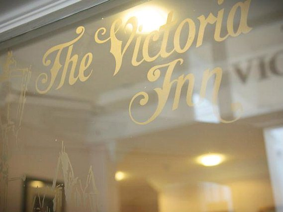 The Victoria Inn London's welcoming entrance