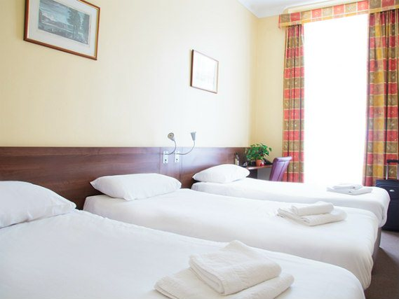 Quad rooms at Victoria Inn London are the ideal choice for groups of friends or families