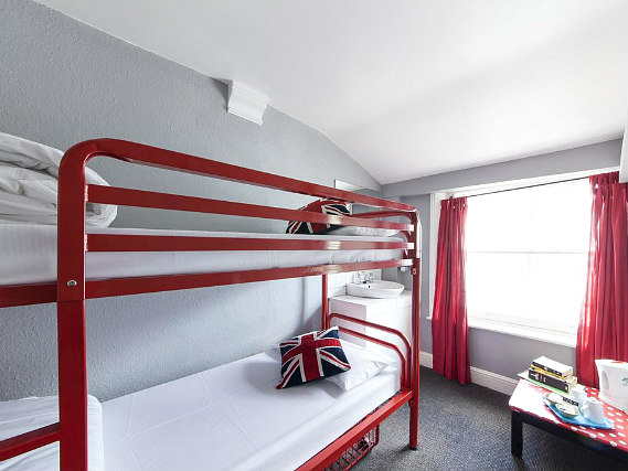 Astor quest hostel london best price guaranted for 45 queensborough terrace bayswater london