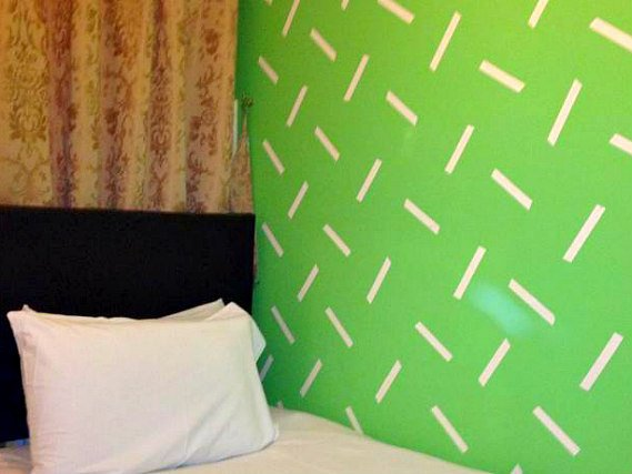 Single rooms at City View Hotel Roman Road provide privacy