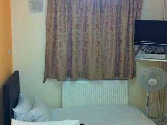 A single room at City View Hotel Roman Road