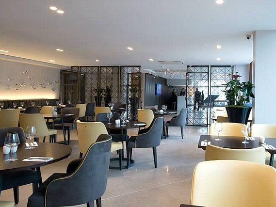 A place to eat at St Georges Hotel Wembley
